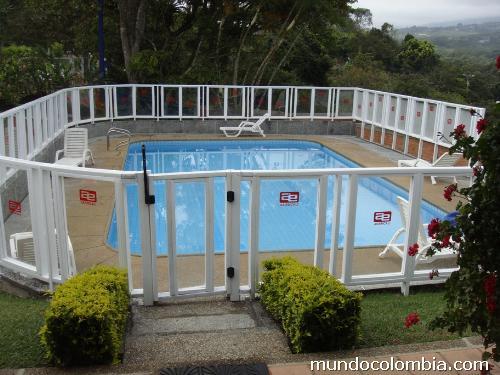 Cerramiento para piscina en madera pl stica en cali tel fono for Cerramiento para piscinas colombia